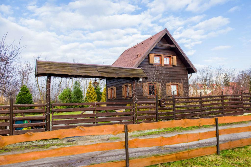 budynek drewnianej zagrody